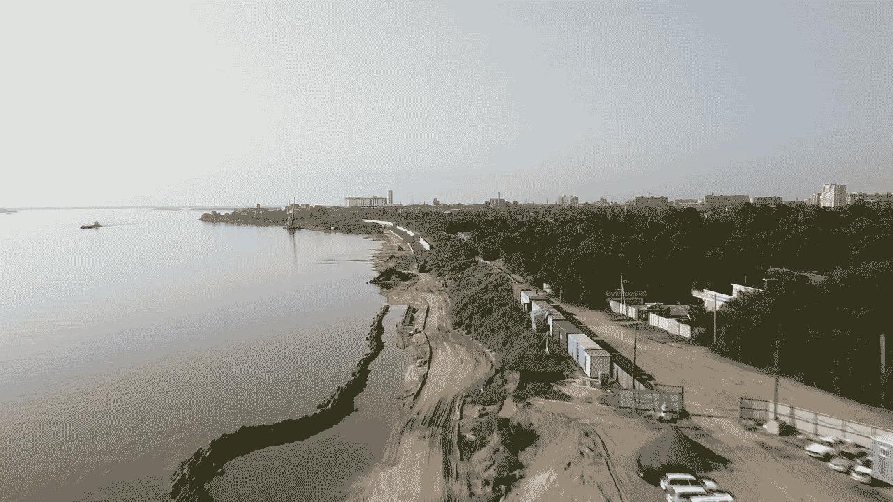 Берег реки Зея в Благовещенске