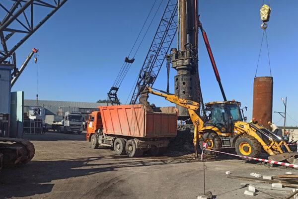 Бурение скважины БНС№5 опоры №6 с погрузкой и  транспортировкой выбуренного грунта