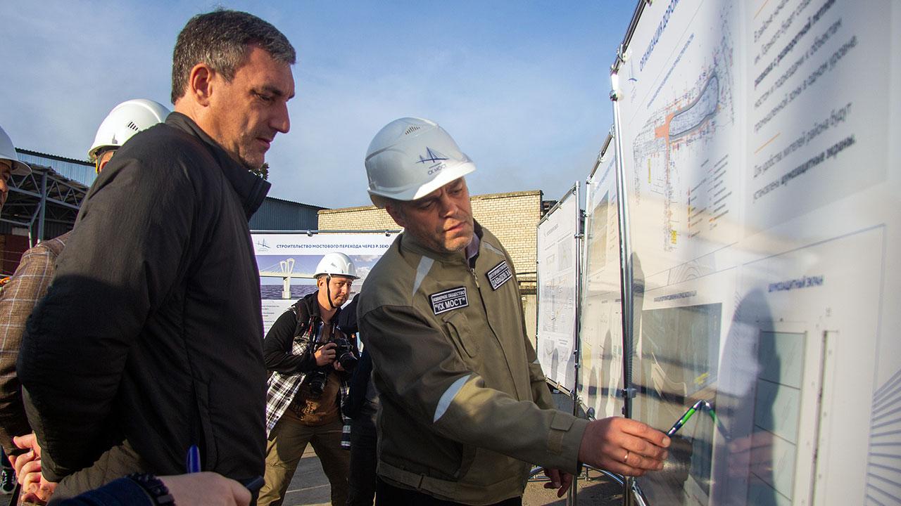 Губернатор Приамурья Василий Орлов оценил ход возведения моста на правом берегу Зеи