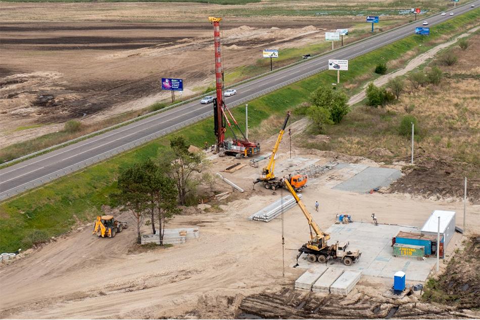 Началось возведение путепровода в рамках подходов к новому Зейскому мосту